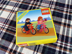 lego-fan-couple-custom-box-set-bikes